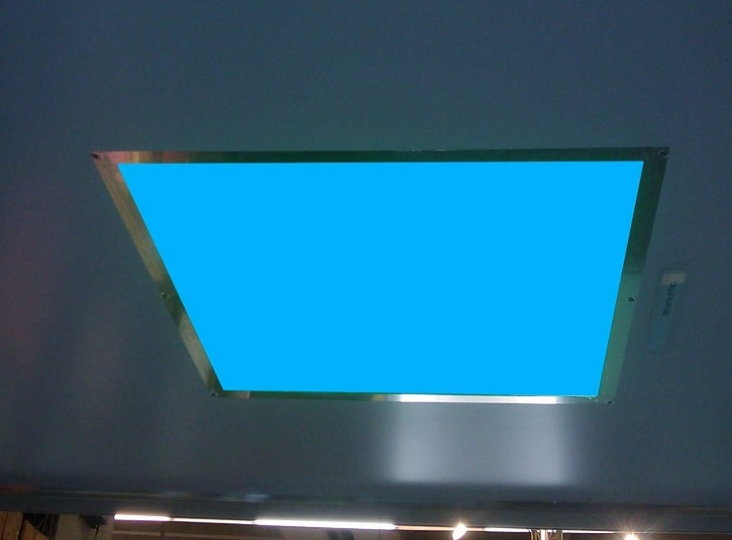 Dalle LED plafond RVB